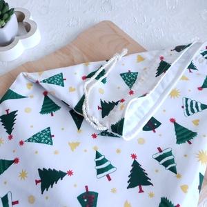 Kenyér és pékárú frissentartó zsák, PUL belső anyaggal. KARÁCSONY Zöld fenyő mintás -Nagy méretű, Otthon & Lakás, Karácsony & Mikulás, Varrás, Kenyér és pékárú frissentartó zsák, PUL anyaggal. \nKívül 100% (Ökotex100) pamutvászon, belül pul any..., Meska