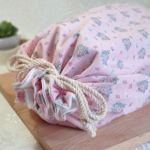 Kenyér és pékárú frissentartó zsák, Rózsaszín - apró virág mintás -Nagy méretű, Táska & Tok, Bevásárlás & Shopper táska, Kenyeres zsák, Varrás, Kenyér és pékárú frissentartó zsák, PUL anyaggal. \nKívül 100% (Ökotex100) pamutvászon, belül pul any..., Meska