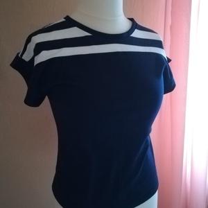 Ejtett vállú csíkos blúz- tengerész stílusú női póló, Táska, Divat & Szépség, Ruha, divat, Női ruha, Póló, felsőrész, Varrás, \n\nKétféle színű anyagból, formatartó pamut jerseyből készítettem blúzt, pólót.\nKülönlegessége: apró ..., Meska