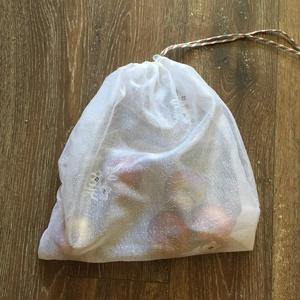 Környezetbarát textil-hálós zsák, Zöldség/Gyümölcs zsák, Bevásárlás & Shopper táska, Táska & Tok, Varrás, Kérésre készült ez a teljesen átlátszó bevásárló zsák.\nKörnyezetbarát-újrafelhasznált-öko vonalat kö..., Meska