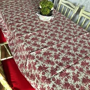 Piros virágos asztalterítő, Terítő, Konyhafelszerelés, Otthon & Lakás, Szövés, Varrás, Asztalterítő, pamut-vászon alapanyag, nagyon szép szürke virágos mintával. Strapabíró, akár 60 fokon..., Meska