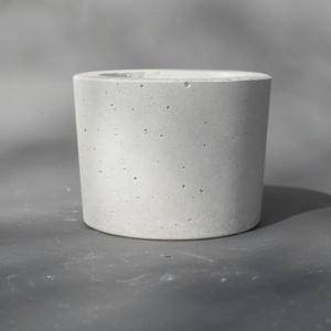 Minimalista műkő  kaspó S, Dekoráció, Otthon & lakás, Lakberendezés, Kaspó, virágtartó, váza, korsó, cserép, Kőfaragás, Szobrászat, Minimalista stílusú műkő kaspó eladó.Átmérője 16 cm,magassága 12 cm.Súlya:2.7 kg Alkalmas élő és műv..., Meska