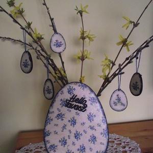 Helló tavasz - nefelejcs, Otthon & lakás, Dekoráció, Dísz, Lakberendezés, Ajtódísz, kopogtató, Asztaldísz, Decoupage, transzfer és szalvétatechnika, Tavaszi dekoráció nefelejcs mintával. Tojás alakú ajtódísz Helló tavasz felirattal, öt darab kisebb ..., Meska