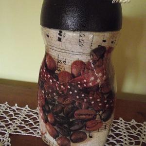 Kávésüveg, a kávé szerelmeseinek, Tea & Kávé tárolás, Konyhafelszerelés, Otthon & Lakás, Decoupage, transzfer és szalvétatechnika, Az újrahasznosítás jegyében egy kávésüveg kapott új külsőt, vintage stílusban. A kávészemekből kirak..., Meska