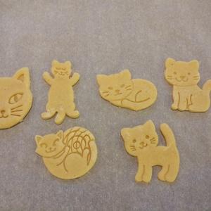 Cica, Cicáskeksz, sütemény kiszúró forma szett, Konyhafelszerelés, Otthon & lakás, Egyéb, Mézeskalácssütés, Mindenmás, 6 db-os cicás kekszkiszúró szett: alvó cica, ülő cica, álló cica, cicafej, gombolyaggal játszó cica,..., Meska