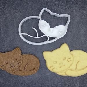 Cica, Cicás (alvó) keksz, sütemény kiszúró forma, Konyhafelszerelés, Otthon & lakás, Egyéb, Mézeskalácssütés, Mindenmás, 3D nyomtatással készült cicás kekszkiszúró. Legnagyobb mérete kb. 6 cm.\n\nSzemélyes átvétel Martonvás..., Meska