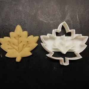 Platánfalevél keksz, sütemény kiszúró forma, Sütikiszúró, Konyhafelszerelés, Otthon & Lakás, Mézeskalácssütés, Mindenmás, 3D nyomtatással készült platánfalevél alakú kekszkiszúró. Legnagyobb mérete kb. 6 cm.\n\nSzemélyes átv..., Meska