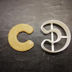 ABC-s (C) kekszkiszúró, Otthon & lakás, Konyhafelszerelés, Egyéb, Mézeskalácssütés, Mindenmás, 3D nyomtatással készült ABC-s (C)  kiszúró kekszhez, mézeskalácshoz, fondanthoz. \n\n6 és 8 cm-es mére..., Meska