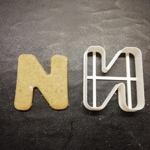 ABC-s (N) kekszkiszúró, Otthon & lakás, Konyhafelszerelés, Egyéb, Mézeskalácssütés, Mindenmás, 3D nyomtatással készült ABC-s (N) kiszúró kekszhez, mézeskalácshoz, fondanthoz. \n\n6 és 8 cm-es méret..., Meska