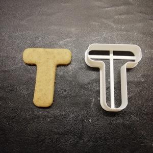 ABC-s (T) kekszkiszúró, Otthon & lakás, Konyhafelszerelés, Egyéb, Mézeskalácssütés, Mindenmás, 3D nyomtatással készült ABC-s (T) kiszúró kekszhez, mézeskalácshoz, fondanthoz. \n\n6 és 8 cm-es méret..., Meska