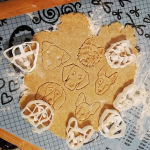 Kutyafejes keksz, sütemény kiszúró forma szett, Otthon & lakás, Konyhafelszerelés, Egyéb, Mézeskalácssütés, Mindenmás, 6 db-os kutyafejes kekszkiszúró szett: vizsla, francia bulldog, westie, foxterrier, bullterrier, bea..., Meska