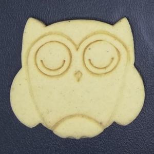 Bagoly, őszi keksz, sütemény kiszúró forma, Otthon & Lakás, Konyhafelszerelés, Sütikiszúró, Mindenmás, Mézeskalácssütés, Őszi kekszkiszúró: bagoly.\nLegnagyobb mérete 6-7 cm.\nSzettben is megvásárolható boltomban (lásd utol..., Meska