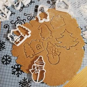 Karácsonyi keksz/mézeskalácskiszúró szett, Otthon & Lakás, Konyhafelszerelés, Sütikiszúró, Mézeskalácssütés, Mindenmás, Karácsonyi kekszkiszúró szett 5 db-os: hócica, karácsonyfa, manó, házikó, házikó fával.\nLegnagyobb m..., Meska
