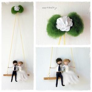 Esküvő (menyasszony-vőlegény) - tűnemezelt baba, dísz, függő, Helyszíni dekor, Dekoráció, Esküvő, Nemezelés, Egyedi és különleges esküvői ajándék lehet. \nA pár karaktere szerint készítem el a babákat, kb.12cm-..., Meska