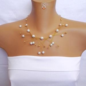 Arany fehér, Esküvő, Esküvői ékszer, Ékszer, Nyaklánc, Ékszerkészítés, Gyöngyfűzés, gyöngyhímzés, Exkluzív nyakék arany színű gyöngyhuzalon, fehér és arany színű gyöngyökkel, hozzá illő fülbevalóval..., Meska