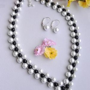 Alkalmi gyöngyös, Ékszer, Ékszerszett, 8 mm-es fehér, és 6 mm-es fekete tekla gyöngyökből, és átlátszósan csillogó kásagyöngyökből készült ..., Meska