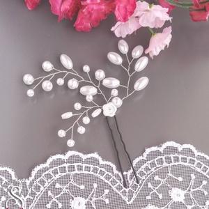 Ágacskás, virágos hajtű, Hajtű, Hajdísz, Esküvő, Ékszerkészítés, Fehér gyöngyökből készült kontytű, hajtű alkalmi frizurához. Az ár egy darabra vonatkozik, de többet..., Meska