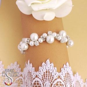 Fehér csillogás karkötő, Esküvő, Ékszer, Karkötő & Csuklódísz, Ékszerkészítés, Gyöngyfűzés, gyöngyhímzés, 10 és 6 mm-es fehér tekla gyöngyök, 6 mm-es strasszköves gyöngyökkel, és strasszos rondellákkal fűzv..., Meska