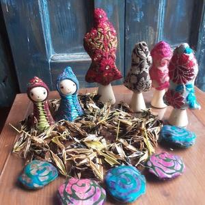 Szerelem-virágmag-erdő-textilkirakó gyerekeknek, Játék & Gyerek, Társasjáték & Puzzle, Varrás, Újrahasznosított alapanyagból készült termékek, Szerelemvirág magjában lépkedve  , erdőbe mennek a kis manók . Rózsavirág kövekre lépve, a legnagyob..., Meska