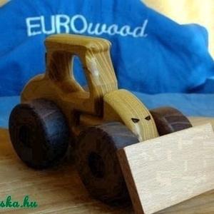 Fa verdák földmunkagép, Gyerek & játék, Játék, Fajáték, Famegmunkálás, A fa verdák sorozat újabb, strapabíró, homokozós verziója.\nAz építkezésekről ismerős nehéz gépek, to..., Meska