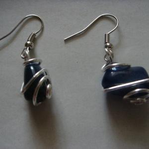 Kék köves fülbevaló ezüstözött befoglalással (evadrotekszer) - Meska.hu