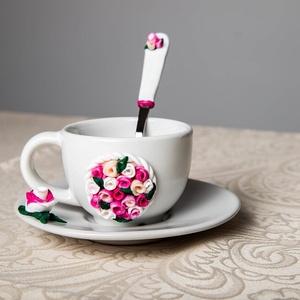 Rózsaszín rózsás kávéskészlet , Otthon & Lakás, Konyhafelszerelés, Bögre & Csésze, Gyurma, Rózsaszín rózsás kávéskészlet garnitúra.\nA garnitúra 1 db törtfehér kávéscsészéből+aljból (csészealj..., Meska