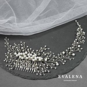 Asszimetrikus fésű swarovski kristályokkal , esküvői fejdísz, Esküvő, Hajdísz, ruhadísz, Ékszerkészítés, Gyöngyfűzés, gyöngyhímzés, Köszönöm a megtekintést :)\n\nA képen egy nagyon különleges asszimetrikus fésű látható. Amikor elkezdt..., Meska