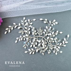 Menyasszonyi hajékszer különleges gyöngyökkel, Esküvő, Hajdísz, ruhadísz, Ékszerkészítés, Gyöngyfűzés, gyöngyhímzés, Köszönöm a megtekintést :)\n\nA képen egy igazán különleges menyasszonyi hajdísz látható, amelyhez kül..., Meska