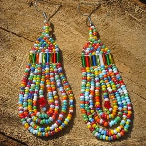 többszínű, színes lógós gyöngy fülbevalók, ajándék - Meska.hu