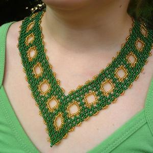 Zöld-arany színű széles gyöngy nyakék, nyaklánc, ajándék , Ékszer, Statement nyaklánc, Nyaklánc, Gyöngyfűzés, gyöngyhímzés, Meska