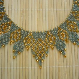 Ukrán cakkos kék-arany  gyöngy gallér, gyöngy nyaklánc, gyöngy ékszer (Evamanufaktura) - Meska.hu