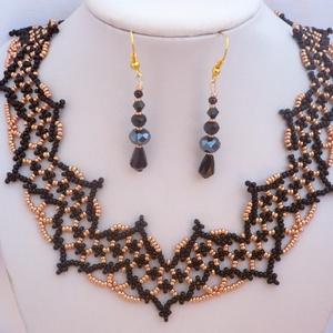 fekete-arany alkalmi csipkeszerű gyöngy nyakék-fülbevaló szett, szilveszter, karácsony, gyöngynyaklánc, ajándék, Ékszer, Nyaklánc, Nyakpánt, gallér, Gyöngyfűzés, gyöngyhímzés, Meska