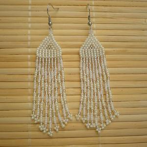 fehér-ezüst extra hosszú gyöngy lógós, hosszú fülbevaló, ajándék - ékszer - fülbevaló - csillár fülbevaló - Meska.hu