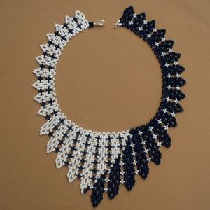 fekete-fehér gyöngy nyaklánc, ajándék nőknek, gyöngy ékszer, Ékszer, Nyaklánc, Gyöngyös nyaklác, Gyöngyfűzés, gyöngyhímzés, Meska