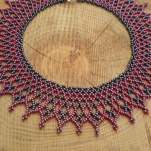 hematit fekete-bordó szívecskés gyöngynyaklánc, gyöngy nyaklánc, gyöngygallér, gyöngy ékszer - ékszer - nyaklánc - gyöngyös nyaklác - Meska.hu