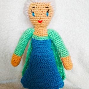 Elsa hercegnő, Gyerek & játék, Gyerekszoba, Játék, Baba játék, Baba-és bábkészítés, Horgolás, Nagyon sok kislány kedvence a ,,Jégvarázs,, című mesefilmből Elsa hercegnő. Elkészítettem nektek gye..., Meska