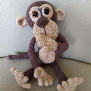 Horgolt Majom baby, Játék & Gyerek, Plüssállat & Játékfigura, Majom, Horgolás, LOVELYBABYGIFT mintája alapján horgoltam meg ezt az édes majmócát. 100% pamut fonalból, biztonsági s..., Meska