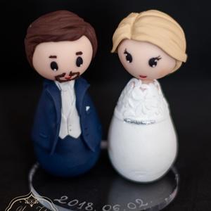 Esküvői tortadísz - Kokeshi, Sütidísz, Dekoráció, Esküvő, Gyurma, A tortadíszt polymerből készítettem, tartós, nem törik, vízálló. \nA megrendelő kérésére készült. \nFo..., Meska