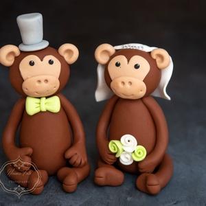 Esküvői tortadísz - Majom, Sütidísz, Dekoráció, Esküvő, Gyurma, A tortadíszt polymerből készítettem, tartós, nem törik, vízálló. \nA termék elkészült, csak postázni ..., Meska
