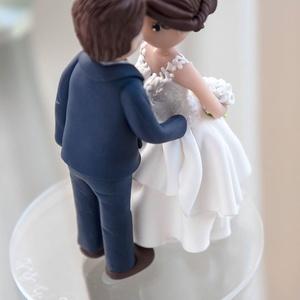 Egyedi Nászpár 02, Tálalás, Dekoráció, Esküvő, Gyurma, Egyéni elképzelésed szerint elkészítem számotokra tortadíszetek. \nA tortadíszt polymerből készítette..., Meska
