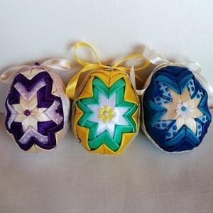 Húsvéti patchwork tojás, Otthon & Lakás, Dekoráció, Függődísz, Patchwork, foltvarrás, Kb. 7cm magas hungarocell és szatén szalagból készült húsvéti tojás.Ajándék tojás húsvétra.   \nA 3db..., Meska
