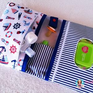 XXL Pelenkatáska, Pelenkatartó táska, Gyerek & játék, Baba-mama kellék, Otthon & lakás, Lakberendezés, Állatfelszerelések, Varrás, Extra méretű minőségi designer textilből készült pelenkázó táska.\n\nA popsitörlős rész cipzárral záró..., Meska