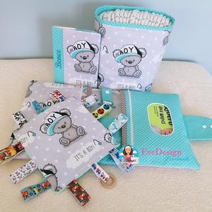 Babalátogató ajándék csomag névhímzéssel, Babalátogató ajándékcsomag, Játék & Gyerek, Varrás, Ajándék csomag! Ajándék névhímzéssel! \n\nAmennyiben igényled úgy a kiskönyv borítóra és a pelenka tás..., Meska
