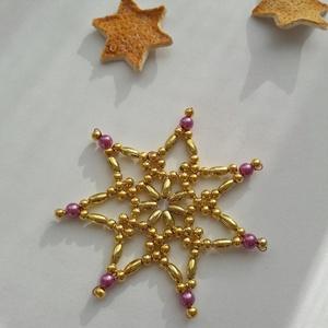 Lilla - gyöngy karácsonyfadíszek, Otthon & Lakás, Karácsony & Mikulás, Karácsonyfadísz, Gyöngyfűzés, gyöngyhímzés, Rézdrótra fűztem a képen látható csillagokat. Arany színű teklát és zabszemgyöngyöt használtam fel h..., Meska