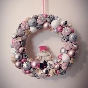 Rózsaszín kopogtató, Karácsony, Karácsonyi lakásdekoráció, Karácsonyi ajtódíszek, Virágkötés, Meska