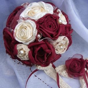 Vintage Menyasszonyi Csokor Kézzel Készített Virágokból, Esküvő, Esküvői csokor, Hajdísz, ruhadísz, Esküvői dekoráció, Romantikus,rózsás csokor gyöngyökkel és csipkével. A bordó rózsák selyemből a krém rózsák szaténból ..., Meska