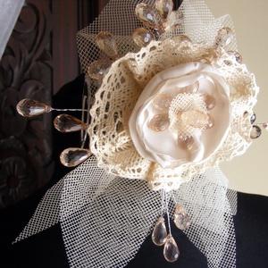 Menyasszonyi Hajdísz Vintage virág,csipkével (eviara) - Meska.hu