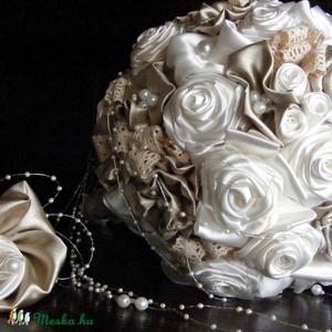 Bieder Gold menyasszonyi csokor,tartós virágokból, Esküvő, Esküvői csokor, Esküvői dekoráció, Hajdísz, ruhadísz, Ezt a csokrot egyedi elképzelés alapján,a menyasszonyi ruha anyagának felhasználásával készítettem.S..., Meska