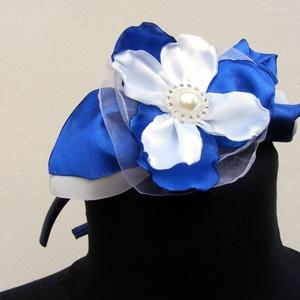 Hajdísz Királykék-Éj kék és Fehér,esküvőre,fotózáshoz, Esküvő, Hajdísz, Hajpánt, Szaténból és organzából készítettem a virágokat a hajpánthoz,amely királykék,éj kék-és fehér színekb..., Meska