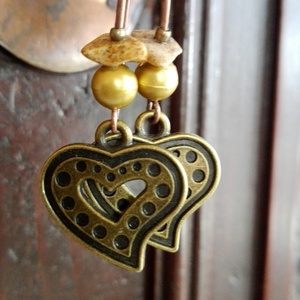 Bronz szív fülbevaló, Ékszer, Esküvő, Fülbevaló, Esküvői ékszer, Bronz szív a fő eleme ennek a fülbevalónak, amelyet óarany tekla gyönggyel és ásvány gyönggyel is dí..., Meska